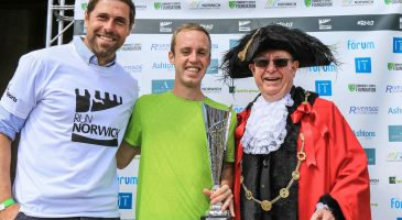 Grant Holt with Michael Kallenberg and the mayor